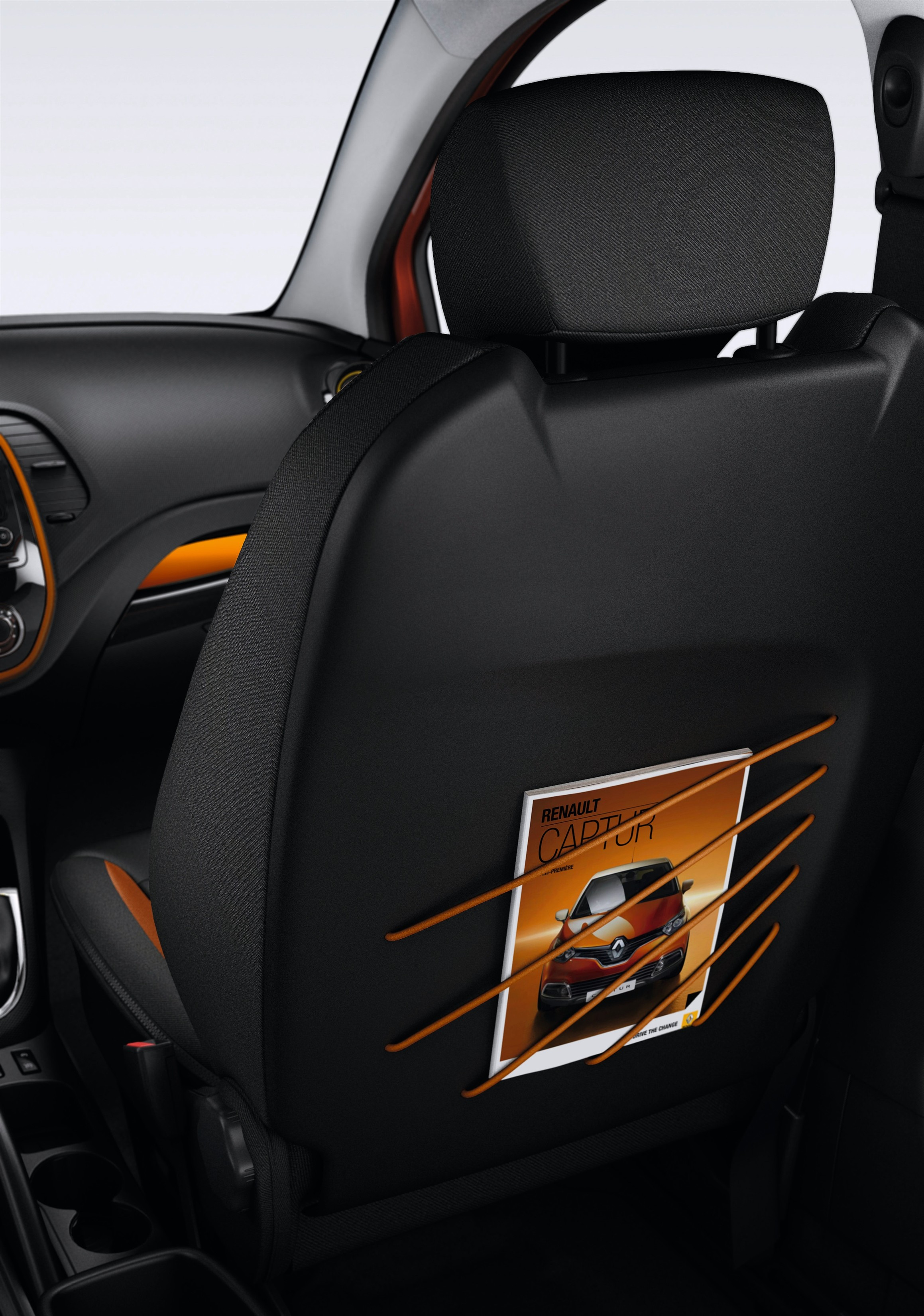 Renault Captur_Mesh map pockets on the front seat backs