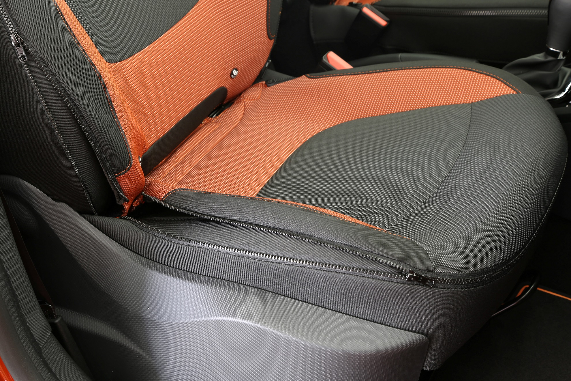 Renault Captur_Zip Collection zipped seat covers 1