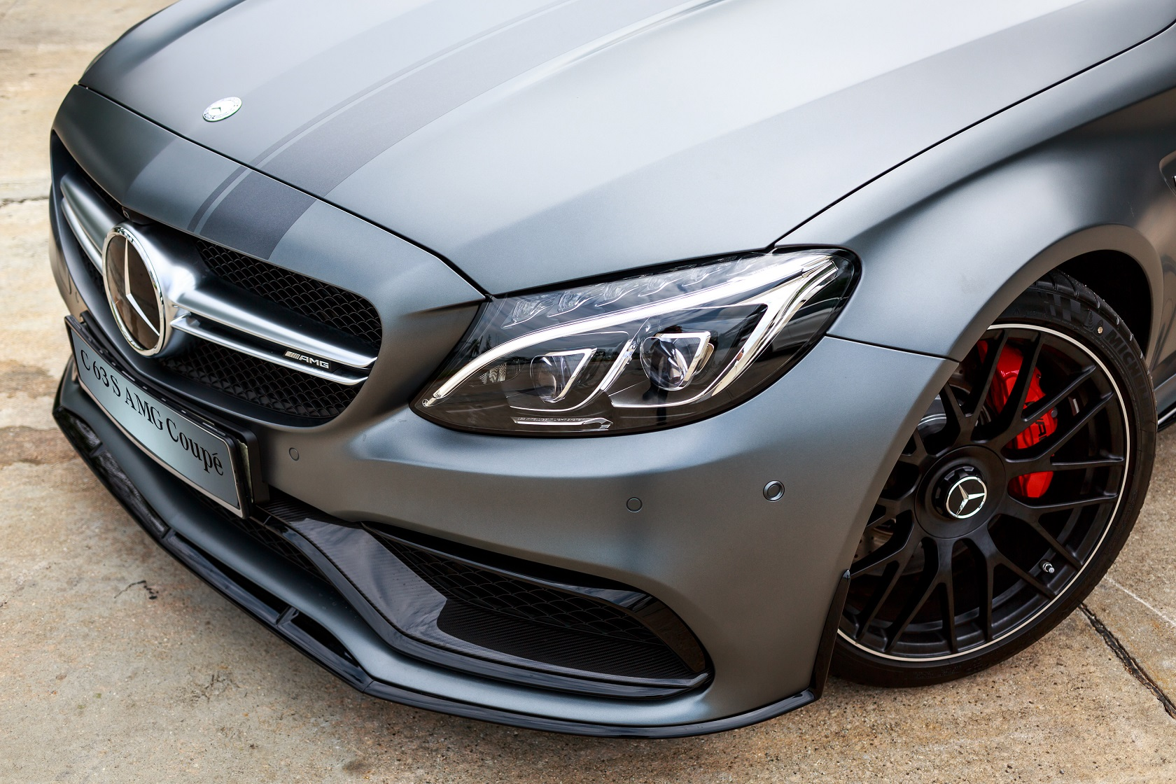 mercedes-amg-c-63-s-coupe-edition-1-10