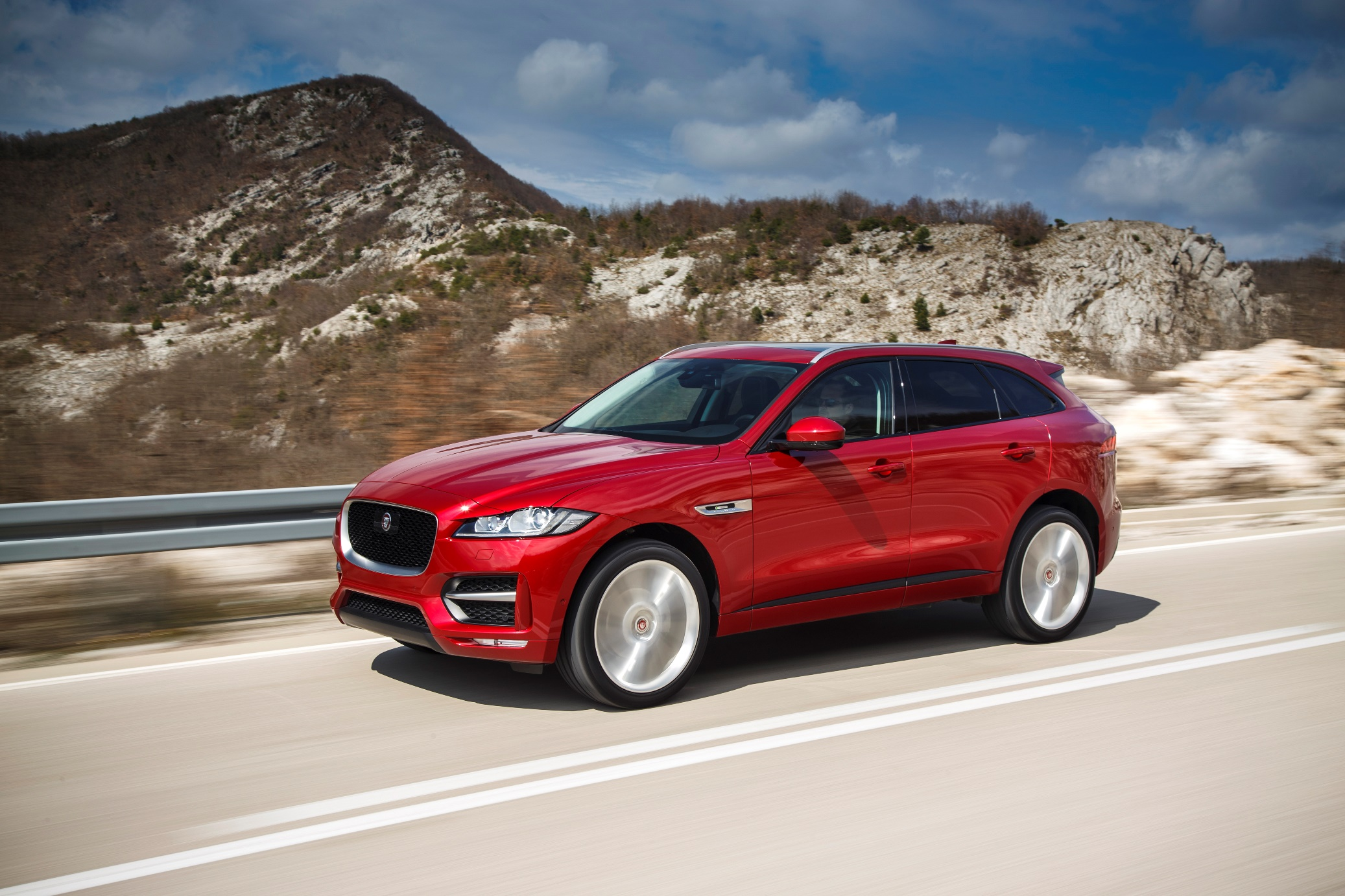 all-new-jaguar-f-pace_front-side