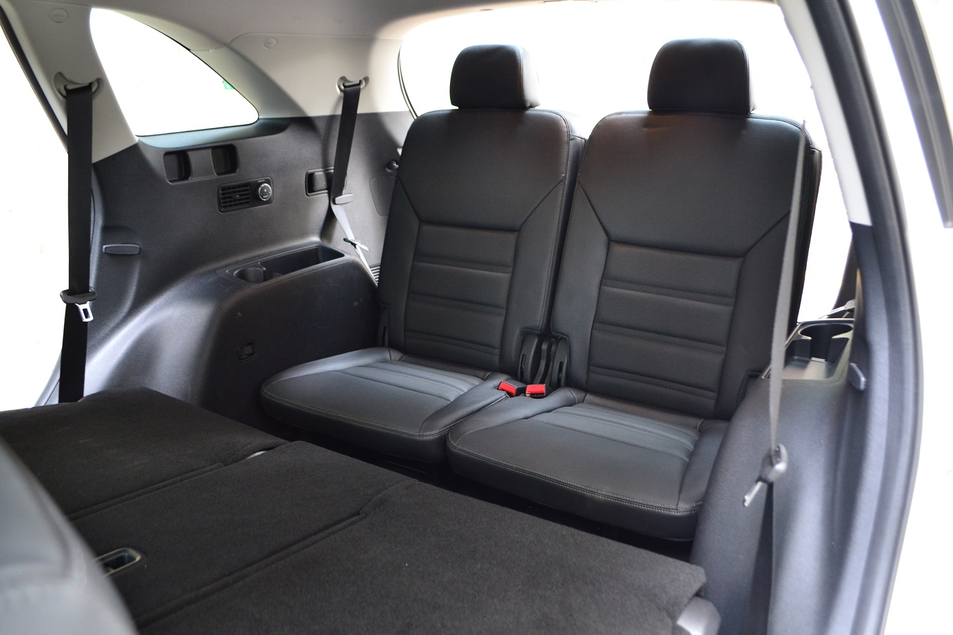 The Kia Grand Carnival And Sorento Diesel People Movers Wiring Harness Kit For 2016 In Addition 2013 Youll Also Find Usb Charging Ports Both Vehicles Center But Has An Additional 12v Port Here