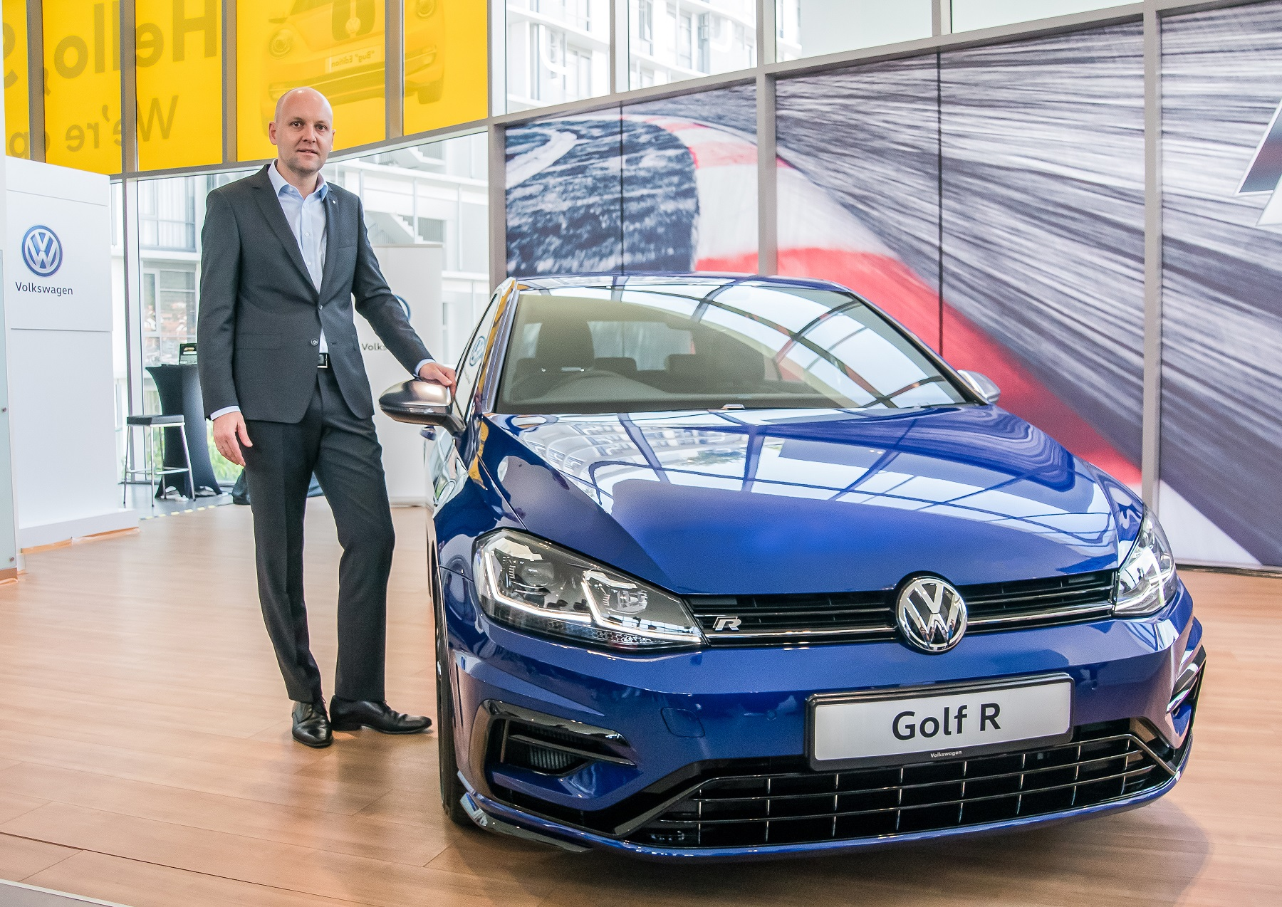 volkswagen golf  launched  expensive kensomuse