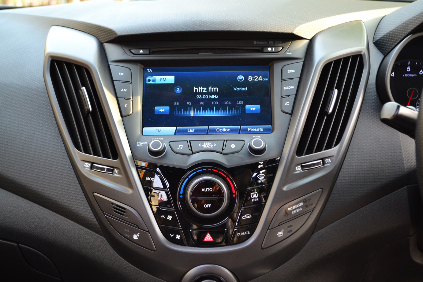 Hyundai Veloster Turbo Review Rover Discovery In Dash Wiring Harness Kit Ebay Also Rns 510 A 7 Colored Tft Touchscreen That Has Radio Cd Mp3 Aux Usb And Bluetooth Functions Sits The Center Of Dashboard Sound Reproduction Is Handled