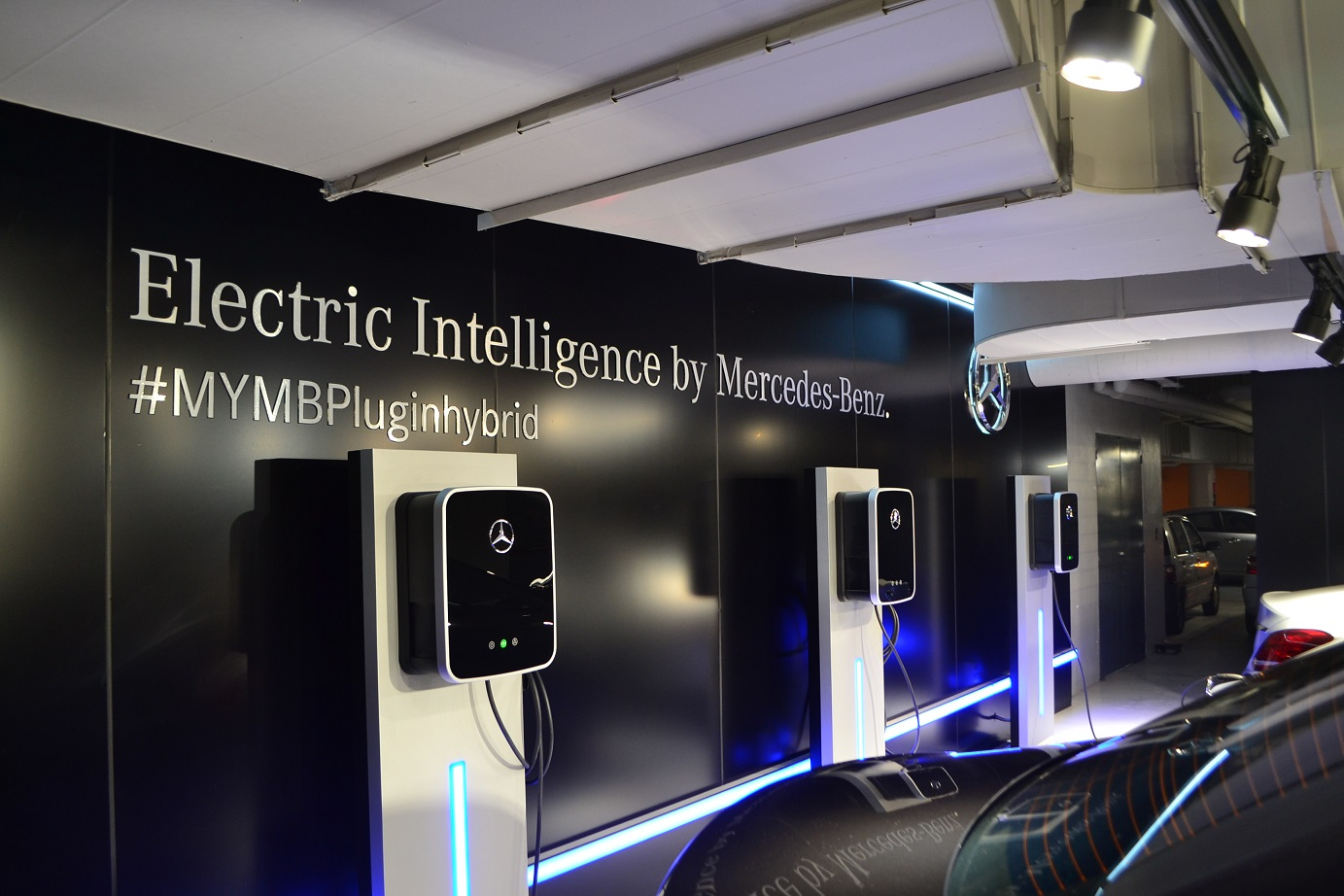 Charging Stations For Evs And Phevs Good On Mercedes